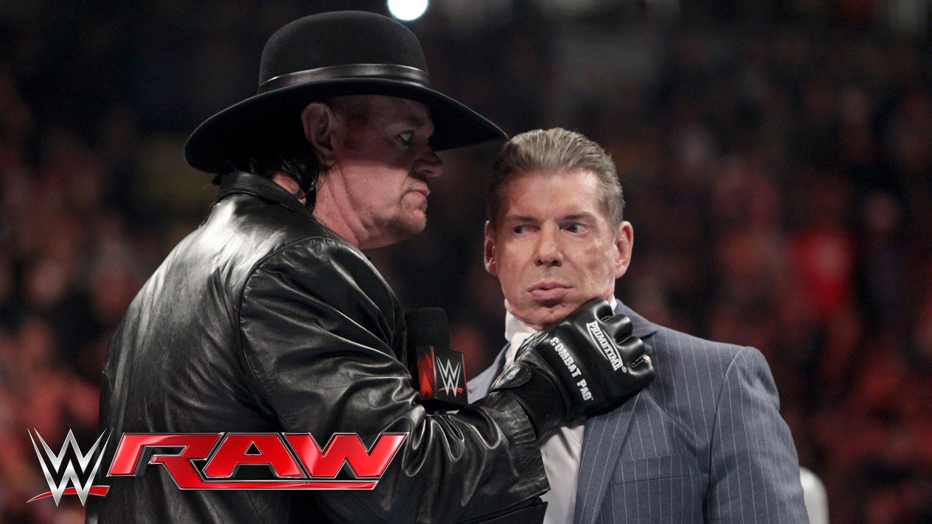 RAW : Vince McMahon me...
