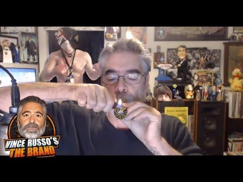 """Insolite : Vince Russo fume du cannabis """"pour supporter trois heures de RAW"""""""
