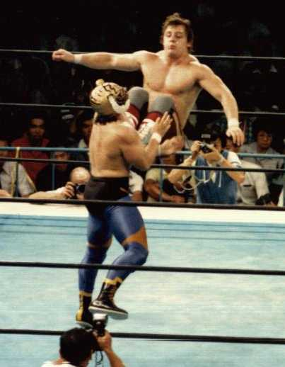 dynamite kid vs tiger mask