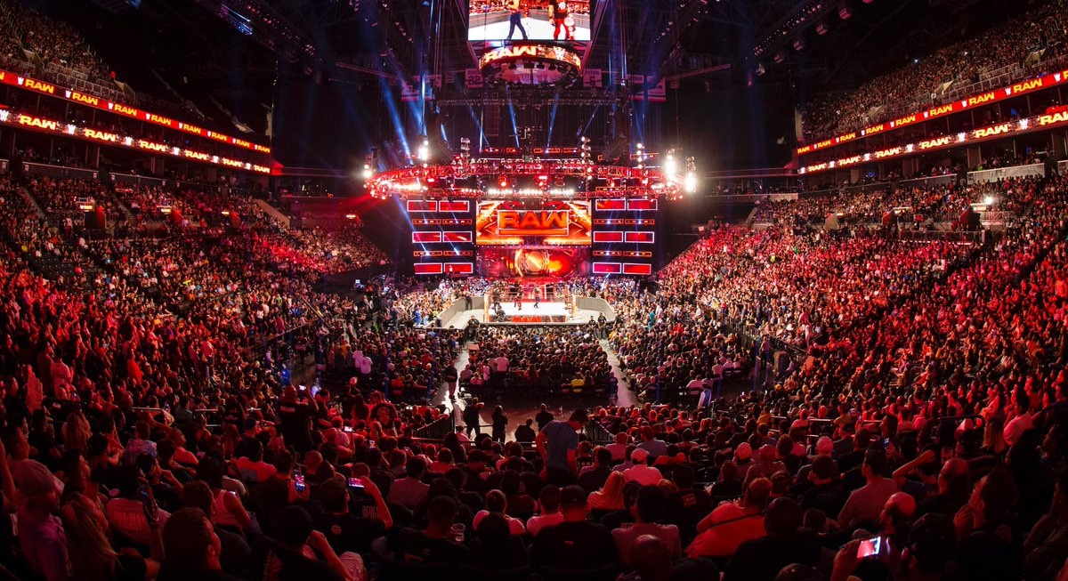 RAW arena arene