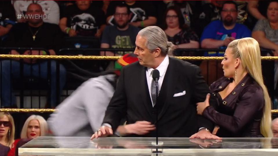 qui sort avec qui dans WWE 2012 est-il mauvais de brancher avec votre meilleur ami frère
